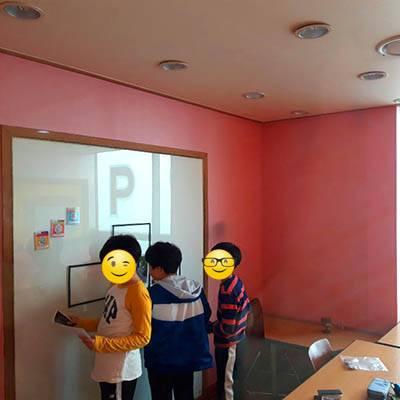 dracula-students-solving-puzzles-400x400 (1)