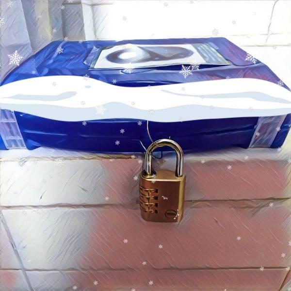 locked-padlock-box-christmas