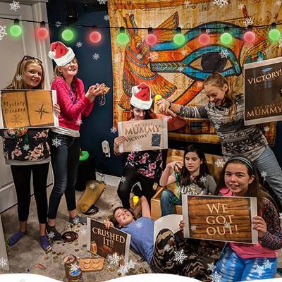 lost-mummy-DIY-kids-group-photo-400x400-christmas