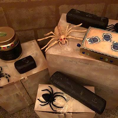 lost-mummy-adams-hall-spiders-400x400