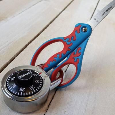 Padlock on scissors puzzle